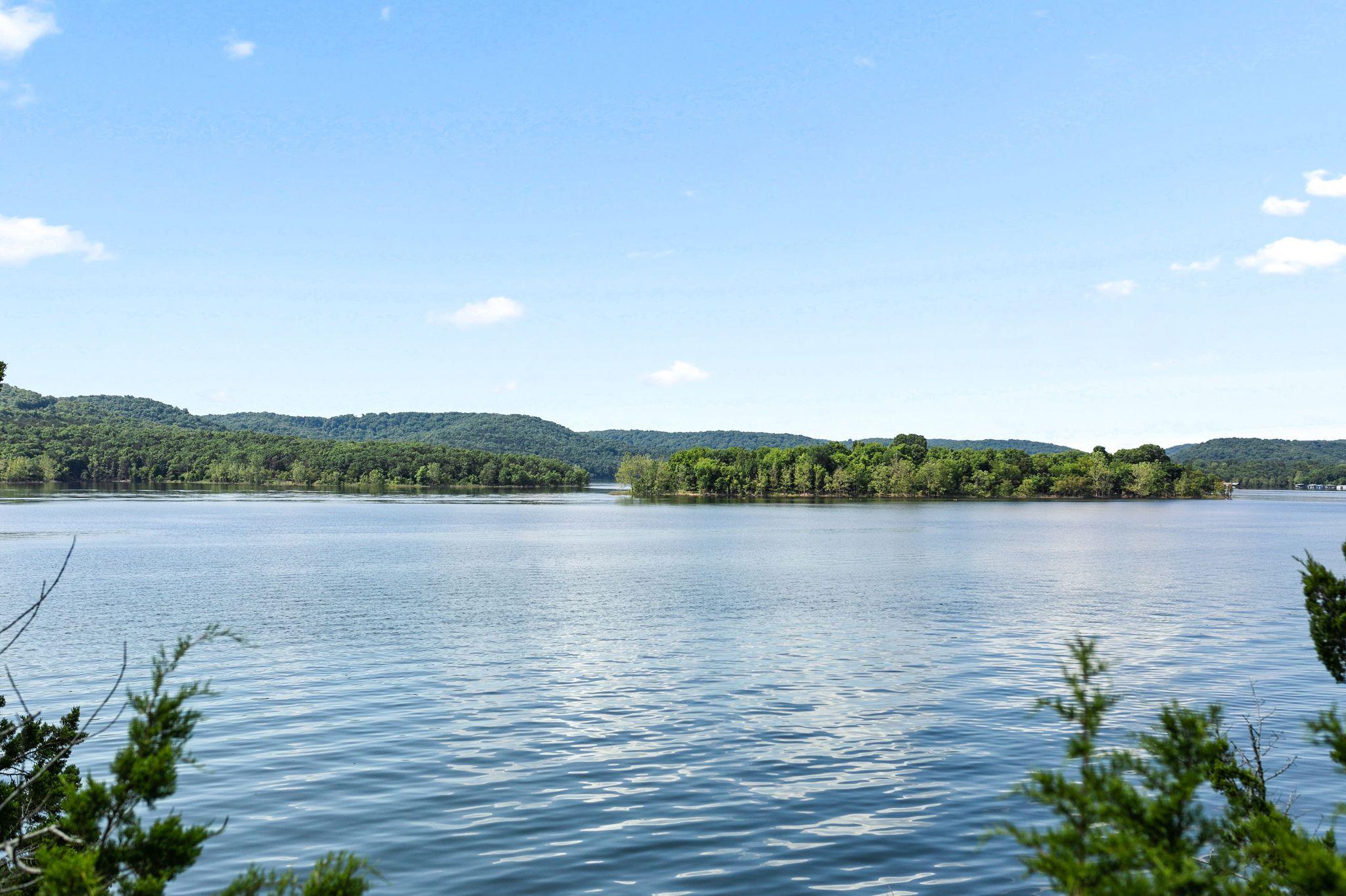 Hideaway Resort Lake View